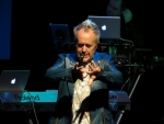 View the album Howard Jones