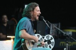 View the album Eddie Vedder